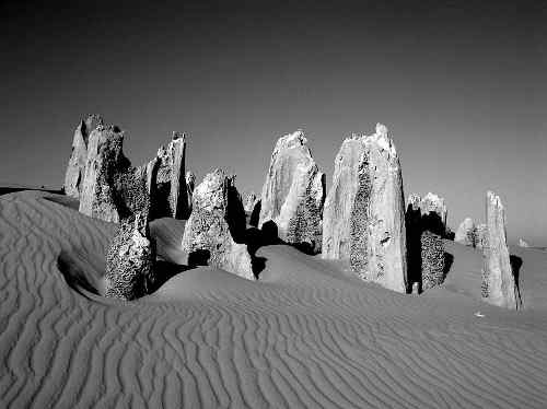 800px_pinnacles_western_australia.jpg - 15.39 kb